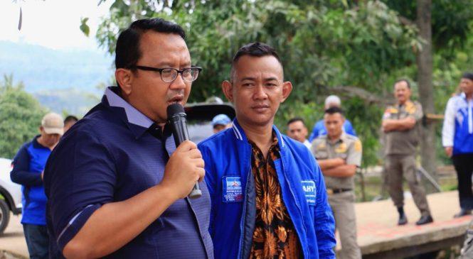 Anton S. Suratto Pantau Langsung Pembangunan Irigasi Desa Sirnarasa