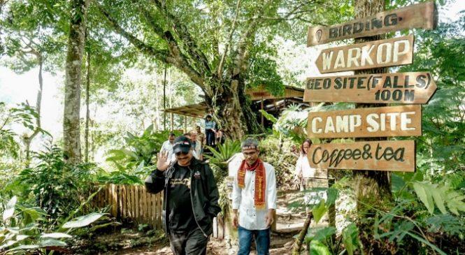 Menpar Pacu Pengembangan Atraksi di Kawasan Danau Toba