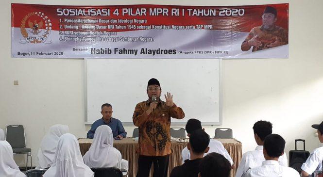 fahmy Alaydroes Sesalkan Pernyataan Ketua BPIP Soal Agama Musuh Pancasila