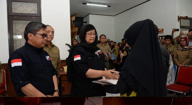 Duka Menteri LHK Melepas Jenazah Korban Kecelakaan di Taman Nasional Sebangau