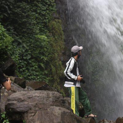 Dua Air Terjun dan Patilasan Prabu Siliwangi di Curug Ciherang