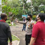 Tegakkan PPKM, Polsek Cileungsi Sasar Resto Saung Apung dan Water Kingdom