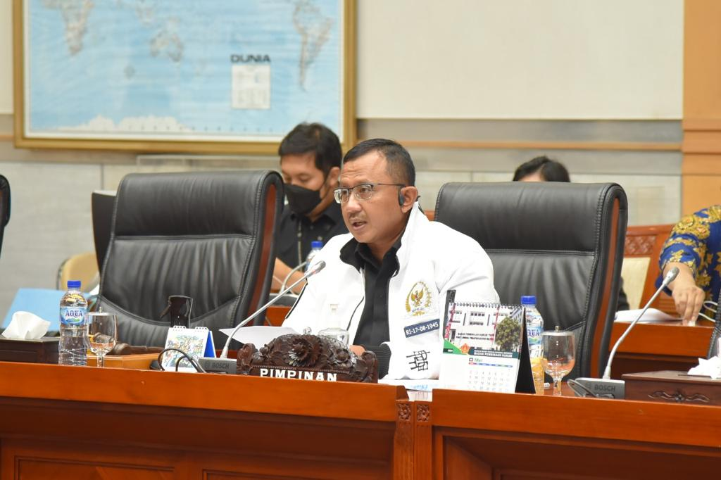 Wakil ketua komisi I DPR RI dari Fraksi Partai Demokrat, Anton Sukartono Suratto
