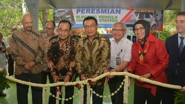 Badan Pengkajian dan Penerapan Teknologi (BPPT) Resmikan Stasiun Pengisian Daya KKendaraan Listrik di Indonesia