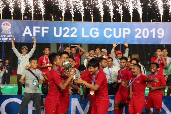 Kemenpora Hadiahkan 2,1 M Untuk Timnas Pemenang AFF U-22 2019