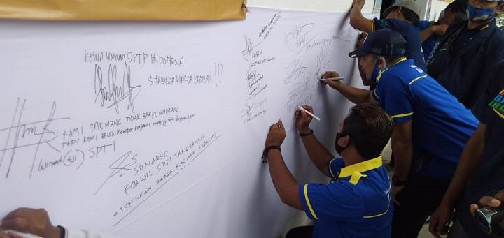 Protes Harga Kedelai Naik, Pengrajin Tahu dan Tempe Se-Jabodetabek Mogok Produksi