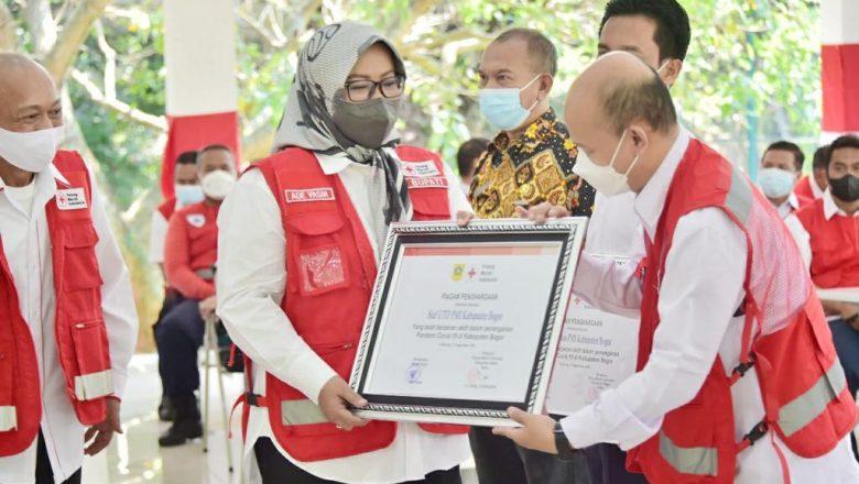 Apresiasi Kinerja PMI Dalam Penanganan Covid-19, Bupati Bogor Hadiahi Piagam Penghargaan di HUT Ke-76 PMI